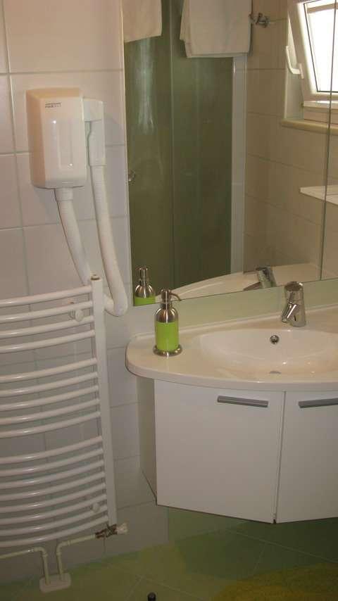 Ferienwohnungen kroatien ferienwohnungen mario for Badezimmer 16m2
